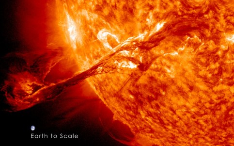 Solar_flare_with_earth_scale